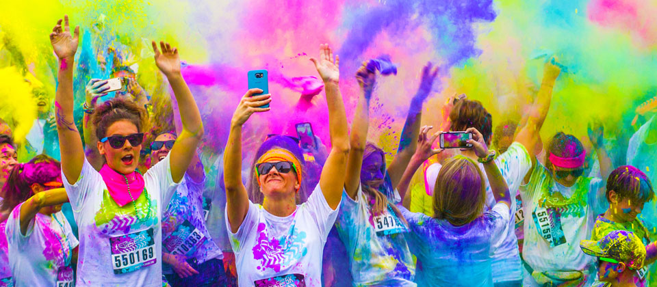 the color run bologna 2017  - vitruvio cerca volontari